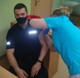 W bytowskiej komendzie policji ruszyły szczepienia przeciw Covid-19. Nie wszyscy mundurowi się zgłosili