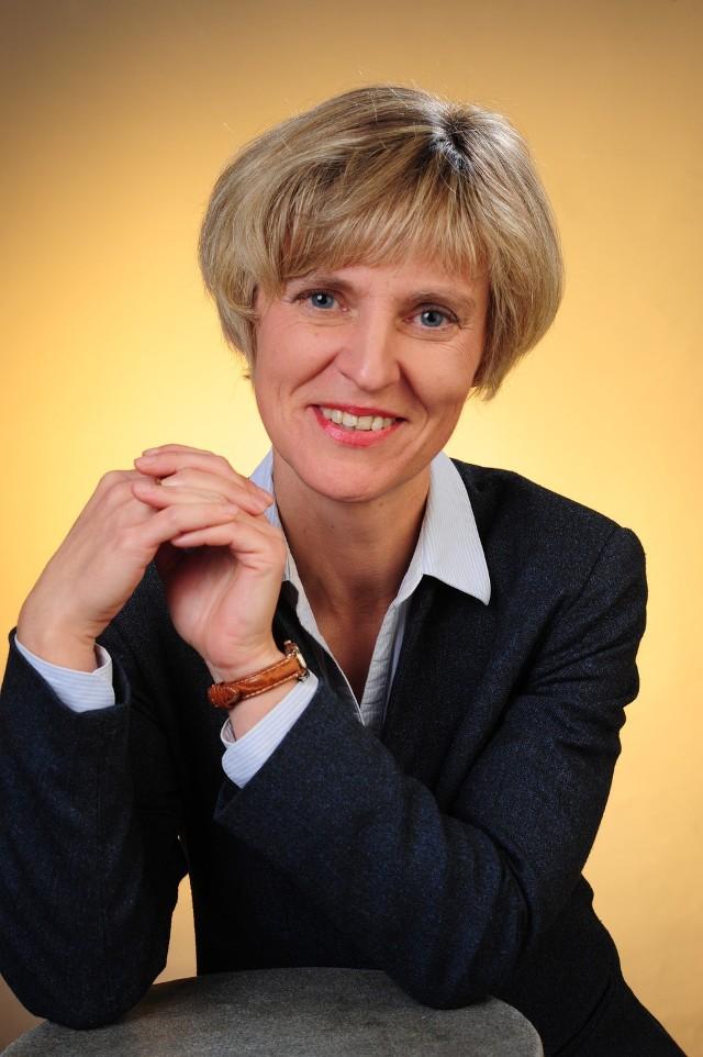 Ilona SKIBIŃSKA-FABROWSKA. Dyrektor Narodowego Banku Polskiego Oddziału Okręgowego w Lublinie.Wyślij SMS o treści KL.7 na numer 72355. Koszt SMS to 2,46 zł z VAT.