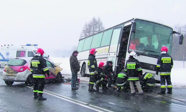 W tym wypadku w Dębnie, którego sprawca nie miał prawa jazdy, ranne zostały 4 osoby