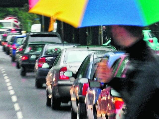 Dawid Jackiewicz ma pomysł na korki: w parzyste dni jeżdżą auta z parzystą rejestracją