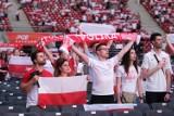 Narodowa Strefa Kibica w Warszawie. 20 tysięcy kibiców wspierało biało-czerwonych w meczu z Hiszpanią