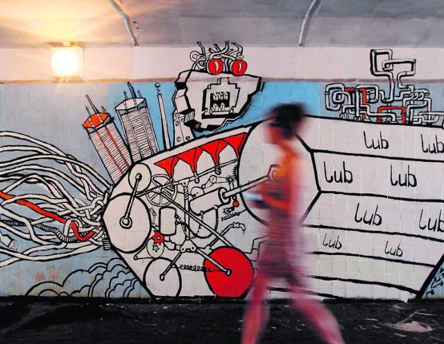 Katowice to jest miasto w kreacji  - mówi Marek Zieliński. Na zdjęciu mural w przejściu podziemnym