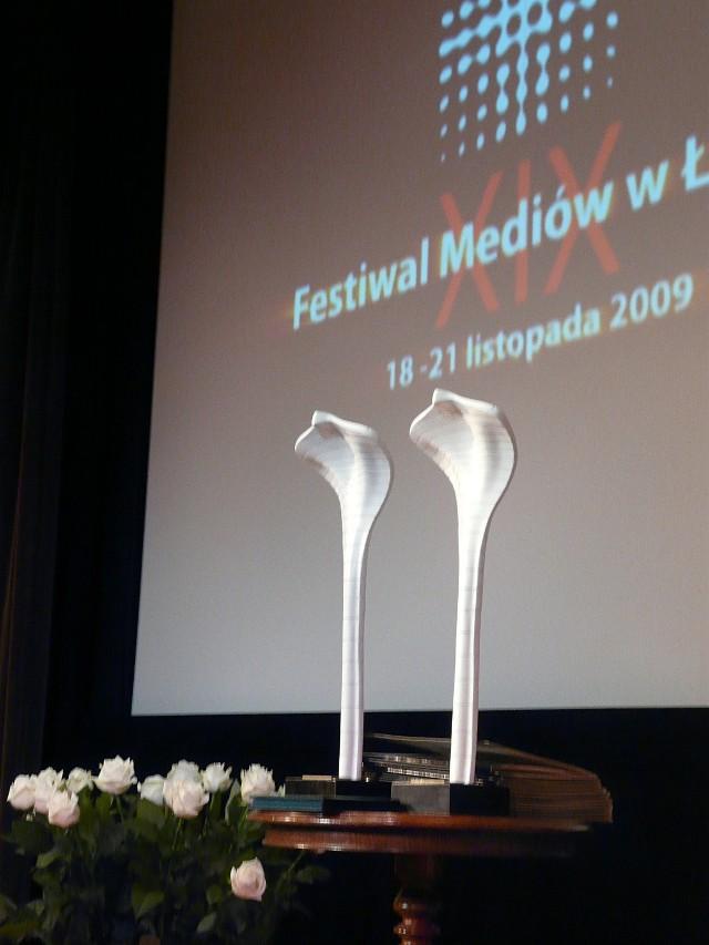 Główną nagrodą festiwalu jest Biała Kobra