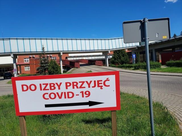 """Szpital w Grudziądzu pełni nadal rolę """"covidowego"""" dla całego Kujawsko - Pomorskiego. Od 7 czerwca ma też zacząć przyjmować pacjentów nie zarażonych koronawirusem do szpitalnych oddziałów"""