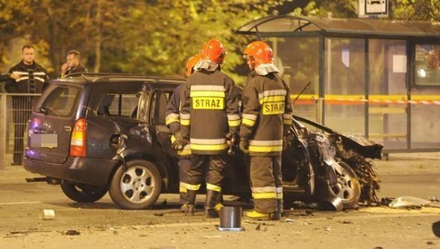 22-letni kierowca toyoty zginął na miejscu. Droga w miejscu wypadku była zablokowana przez kilka godzin.  Kortowiada 2014. Zdjęcia z kolorowej parady wydziałów!