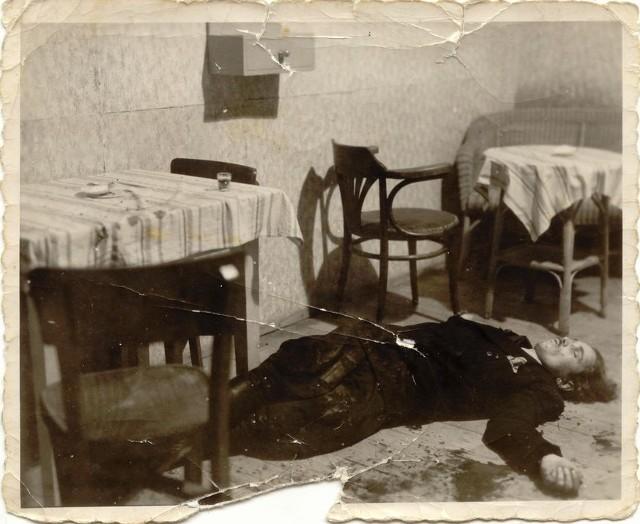 Ciało Henryka Flamego, zabitego w gospodzie w Zabrzegu przez milicjanta Rudolfa Dadaka
