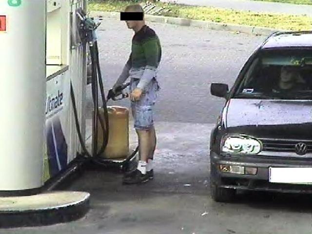 Łódzka policja rozbiła gang, który 120 razy kradł paliwo ze stacji benzynowych.