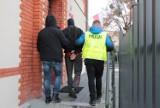 Rozbój w Chełmnie. Sprawcy, którzy pobili i pokopali swoją ofiarę są w areszcie