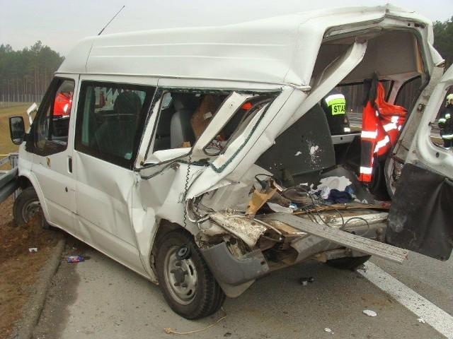 Dwa busy zderzyły się na autostradzie A2