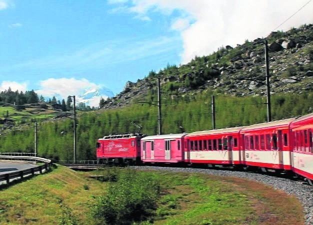 Trasa na szczyt Gornergrat w Szwajcarii