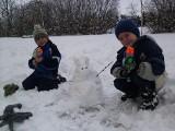 Śniegowe zające i choinki. Tak łodzianie świętują śnieżną Wielkanoc [ZDJĘCIA]