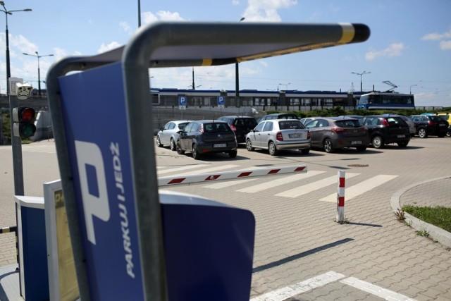 W Krakowie wciąż jest zbyt mało parkingów typu park&ride