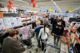 Wielkie promocje w sklepach: kwiecień 2021. Co można dostać gratis? [Lidl, Biedronka, Kaufland, Auchan, Netto, Aldi, POLOmarket]