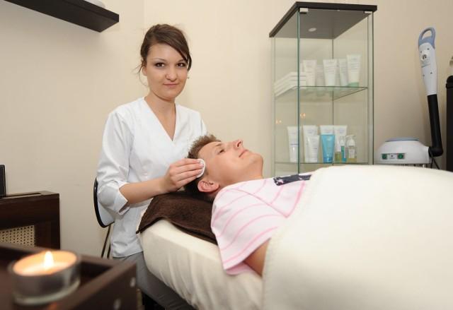 - Współcześni mężczyźni bardzo dbają o swój wygląd - twierdzi Katarzyna Smolak, kosmetolog z Poznania