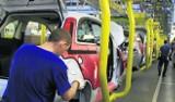 Tychy: Zwolnienia i zmiana organizacji pracy w fabryce Fiata dalej trwają