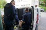 """Jastrzębie: nietypowa sytuacja na komendzie. 49-latek zgłosił się na policję. """"Prawdopodobnie jestem poszukiwany"""". Trafi do więzienia"""