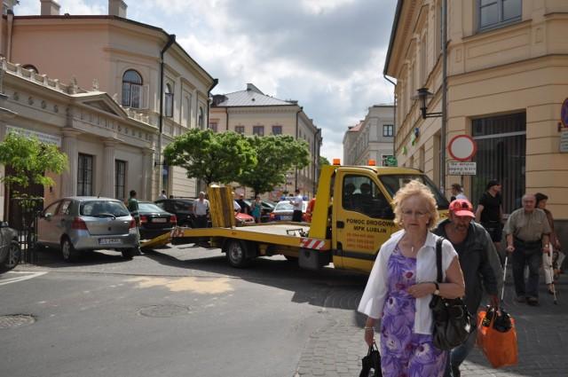 Ul. Świętoduska: Straż Miejska wystawia mandaty za złe parkowanie