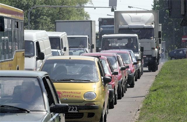 100 skrzyżowań obejmuje liczenie samochodów w Łodzi.