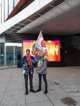 Finał WOŚP 2021 w Chorzowie. Alpiniści na ścianach Zespołu Szpitali Miejskich w Chorzowie, zabawa na rynku i koncert