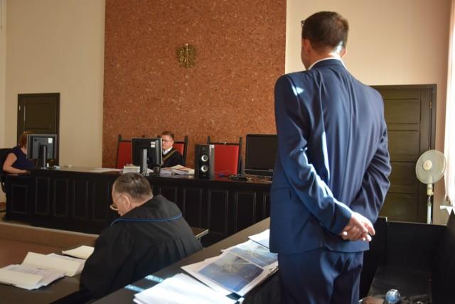 Sąd Rejonowy w Pile skazał Waldemara N. na cztery lata więzienia. Sąd Okręgowy zmniejszył wyrok o sześć miesięcy