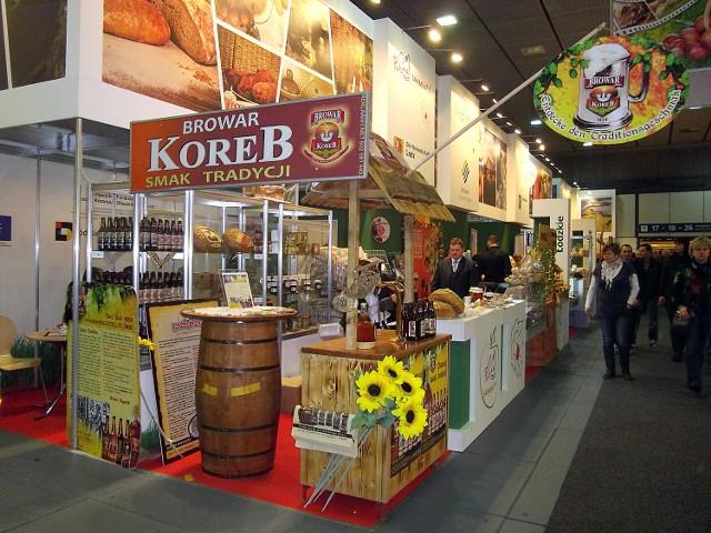 """Podczas Międzynarodowych Targów Spożywczych """"Grüne Woche"""" w Berlinie prezentowane jest piwo z Łasku."""
