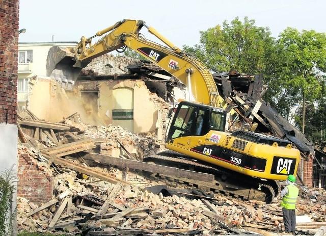 Znika stary Wrzeszcz. W połowie 2012 roku miejsce po ceglanych budynkach wypełni Nowa Słowackiego