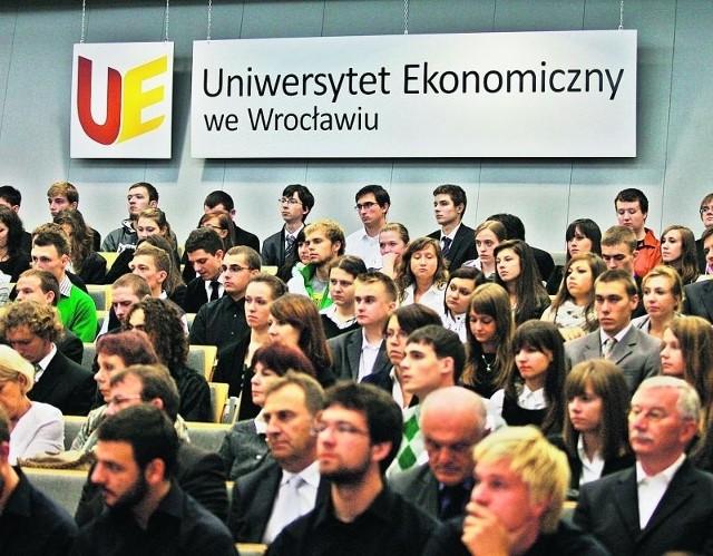 Wrocławskie uczelnie inaugurują rok akademicki. Wczoraj zaczął Uniwersytet Ekonomiczny