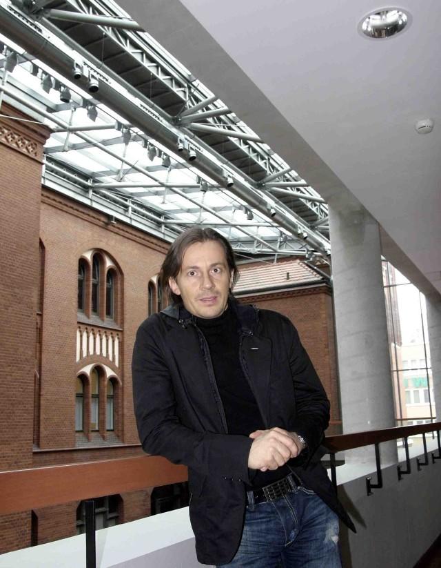 Tomasz Konior sprawdzi akustykę światowych sal koncertowych