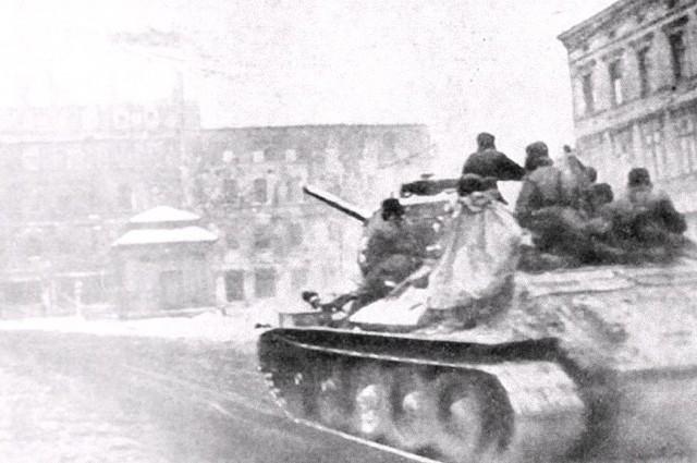 Sowieckie czołgi przepędziły hitlerowców, ale...