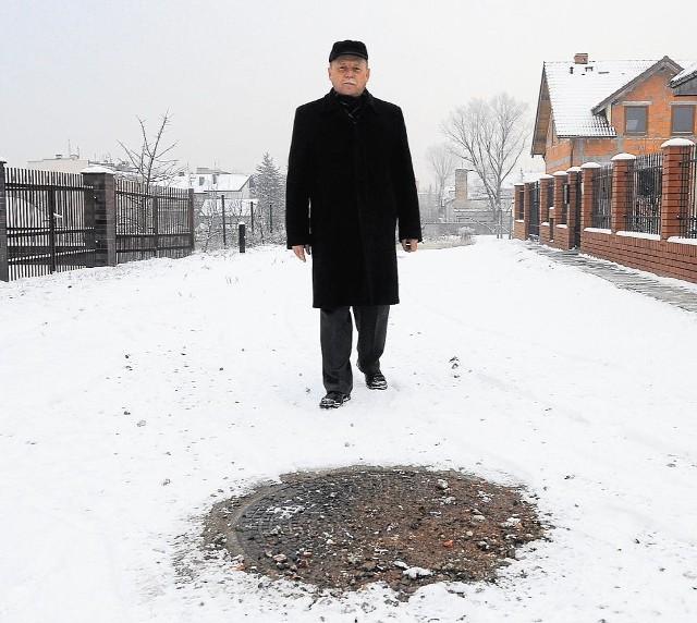 Zenona Sternika niepokoi, że Aquanet wciąż nie przejął kanalizacji na Makoszowskiej