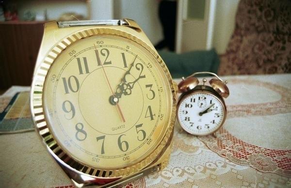 W nocy z 29 na 30 października zmieniamy czas na zimowy. O godz. 3 cofamy wskazówki zegarków o godzinę.