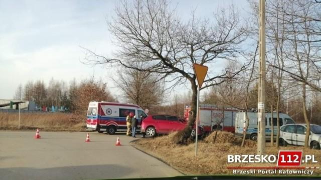 Wypadek w Brzesku na skrzyżowaniu Szczepanowskiej i Bujaka