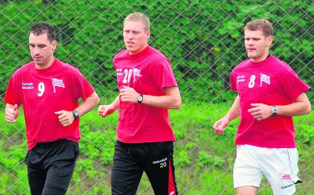 Bartosz Ślusarski (w środku) niedawno wrócił do gry po przerwie spowodowanej kontuzją, ale jest w coraz lepszej formie