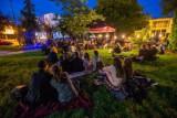 Świecie. OKSiR zaprasza na taras do kawiarni i organizuje seans kina plenerowego