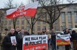 Protest ojców pod sądem przy pl. Dąbrowskiego [ZDJĘCIA+FILM]