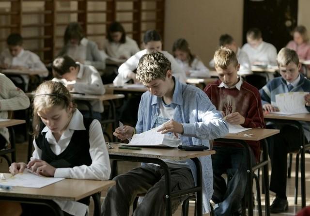 Problemy uczniów zaczynają się już w szkole podstawowej, czego dowodzą słabe wyniki sprawdzianu szóstoklasistów.
