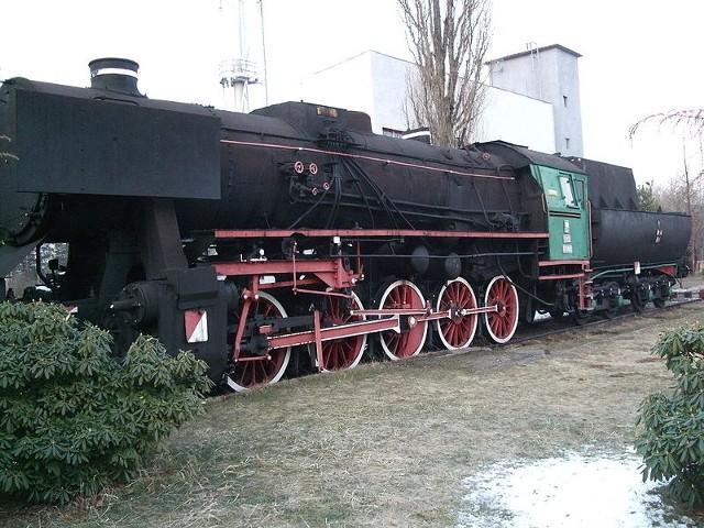 Taka sama lokomotywa stoi dziś w Jaworznie