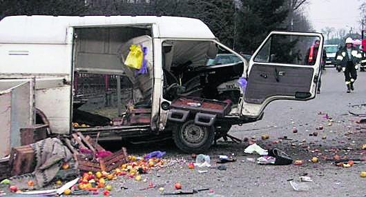 Szczucin. Samochody zostały całkowicie zniszczone