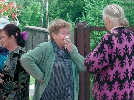 Kazimiera Jędrasiak, matka tragicznie zmarłej laborantki, nie potrafiła wydusić z siebie ani słowa. Na każde wspomnienie córki wybuchała płaczem. Foto: JAKUB MORKOWSKI