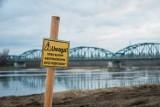 Bydgoszcz. W Starym Fordonie trwa budowa nabrzeża oraz remont kamienic [zdjęcia]