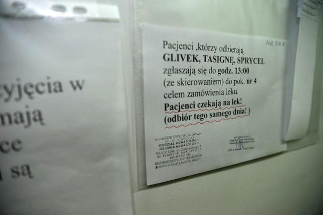 Pacjenci domagają się zmiany zarządzenia, tak by nie utrudniano im przyjmowania leków