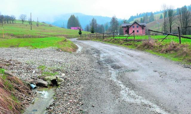 Za przekazane z MSWiA 300 tys. zł naprawiona zostanie przede wszystkim droga na Zaskalskie w Jaworkach