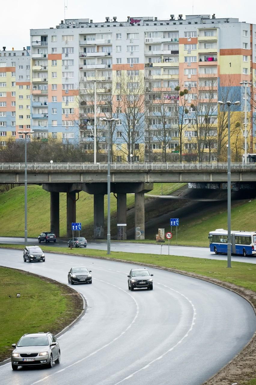 Południowa część wiaduktu nad al. Jana Pawła II nie jest...