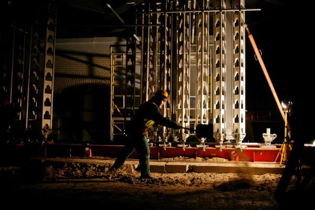 Robotnicy Skanski naprawiali w niedzielę wiadukt nad ulicą Zaporoską