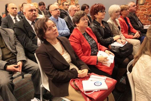 PZU uczył inwestować. W sali konferencyjnej trudno było o wolne miejsce.