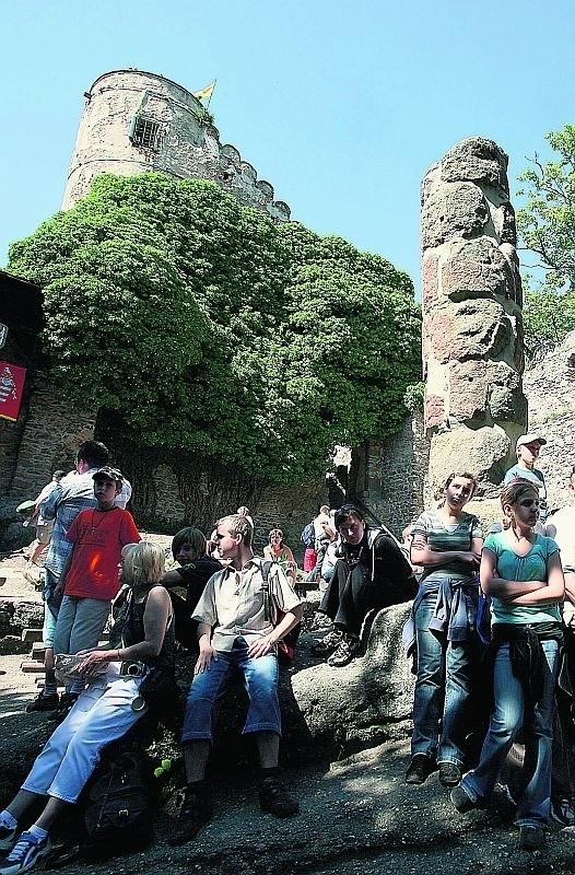Niezdobyta twierdza Bolka II dzisiaj przyciąga turystów