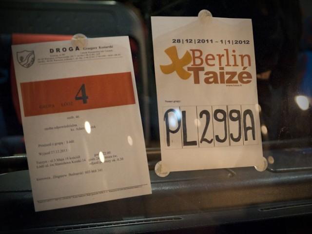 O północy młodzi ludzie modlili się w łódzkiej katedrze. Potem czterema autokarami pojechali do Berlina.