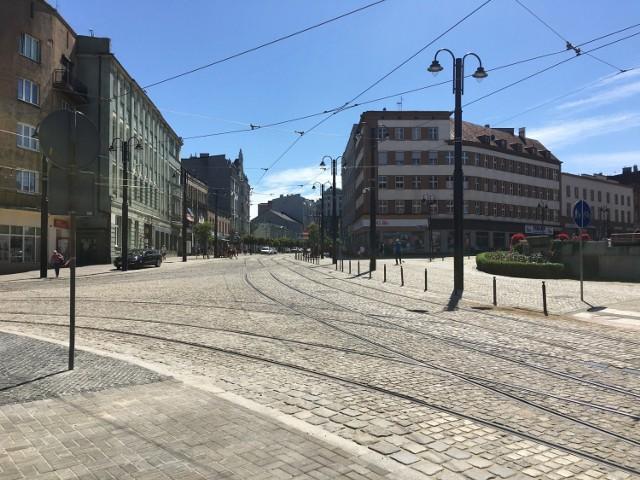 Jak zmieniało się torowisko w centrum miasta w ostatnich miesiącach? Zobacz kolejne zdjęcia. Przesuwaj zdjęcia w prawo - naciśnij strzałkę lub przycisk NASTĘPNE