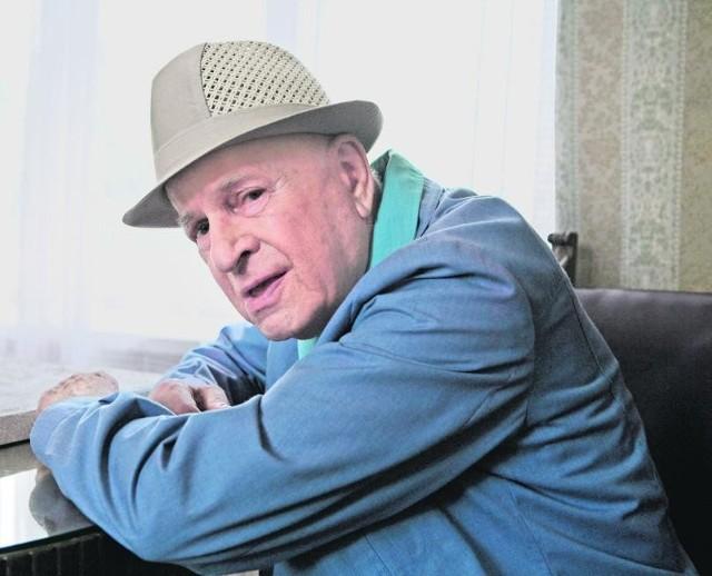 Jedną z głównych ról w filmie zagra Jan Machulski, który 3 lipca skończy 80 lat. Partnerują mu m.in. 85-letnia Alina Janowska, 79-letnia Barbara Krafftówna i Marian Kociniak (72 lata)