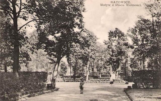 Pomnik - grób Nieznanego Powstańca Śląskiego